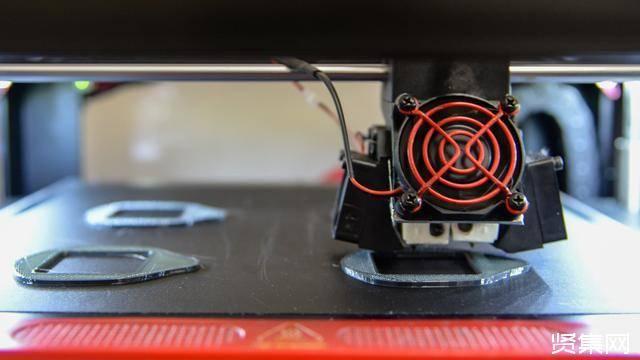 3D资源巴美军3D打印N95口罩,制造4个口罩需45小时!插图5