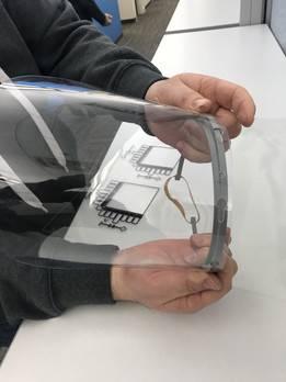 带3D打印遮阳板的面罩