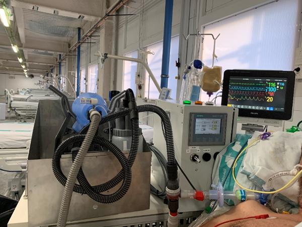 应急呼吸面罩具备3D打印部件插图3