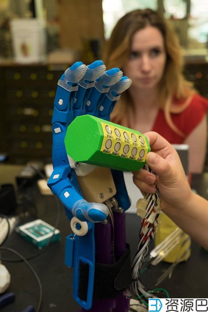 莱斯大学学生开发出可测试3D打印假手的装置插图1