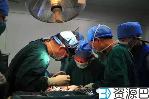 中国完成全球首例人工3D打印脊椎植入手术插图3