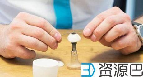 比利时眼科专家为一患者打造出世界上第一个3D打印义眼插图3