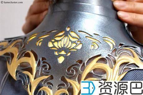 """1614304866-9657bc47d78479e.jpg-插件-绝对惊艳!女设计师用3D打印打造""""极客女皇""""盔甲"""