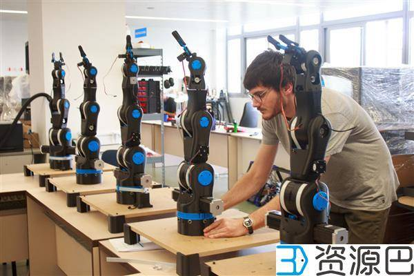 BCN3D公司推出开源低价3D打印机械手臂用于教育插图3