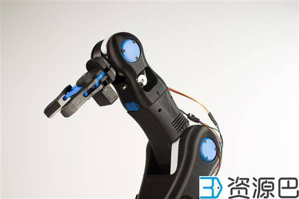 BCN3D公司推出开源低价3D打印机械手臂用于教育插图1