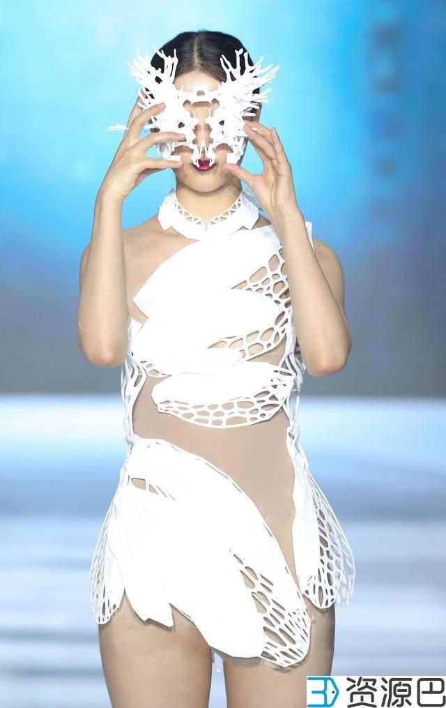 1617242465-4a0f7adcbe249ab.jpg-插件-美得不要不要的 全球首款3D打印旗袍惊艳亮相